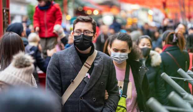 'Koronavirüslünün olduğu kapalı ortamda maske olsa da 4 saatte virüs bulaşıyor'