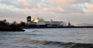 Çanakkale açıklarında Ro-Ro Gemisinde Çıkan Yangın Söndürüldü