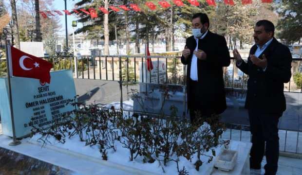 Ömer Halisdemir, doğum gününde mezarı başında anıldı