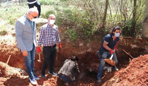 Su kanalı kazısında antik mezar bulundu