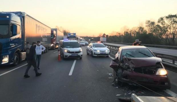 TEM Otoyolu'nda zincirleme kaza: 6 yaralı