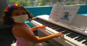 Başiskele'de müzik eğitimleri sürüyor