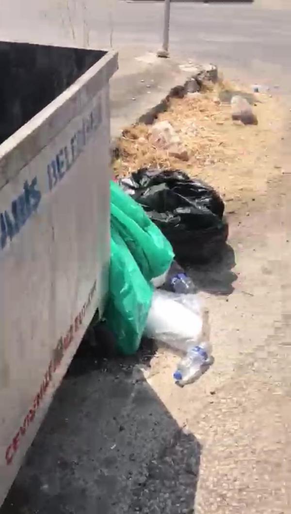 Yangınla mücadele eden personelin sularını çöpe atıp, üstüne pişkin pişkin savunma yaptılar